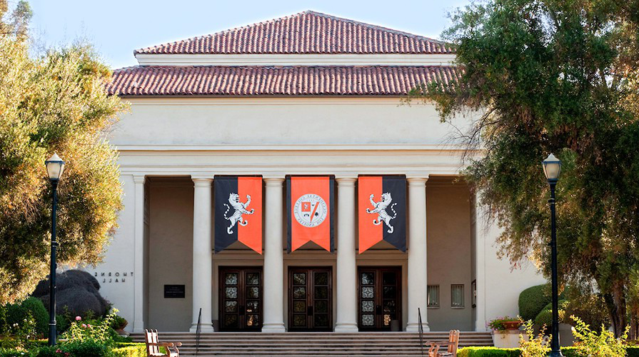 Thorne Hall on Oxy's campus